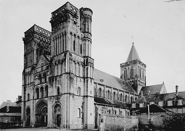 Abbaye aux Dames (ancienne), Eglise Sainte-Trinité Ensemble sud-ouest, Enlart, Camille (historien),