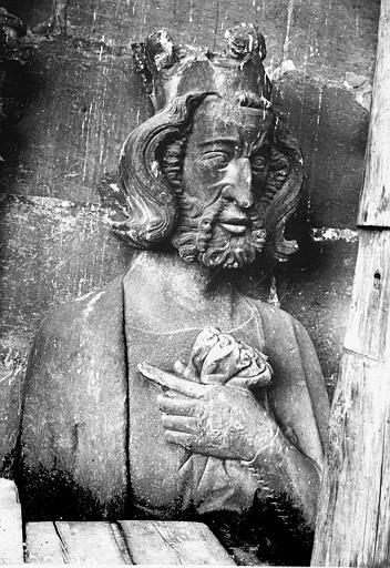 Cathédrale Notre-Dame Buste de roi, galerie de la tour nord, Lajoie, Abel,