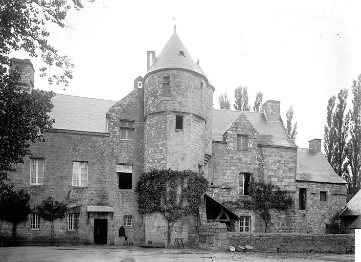 Abbaye de Sainte-Croix (ancienne) Manoir abbatial, Enlart, Camille (historien),