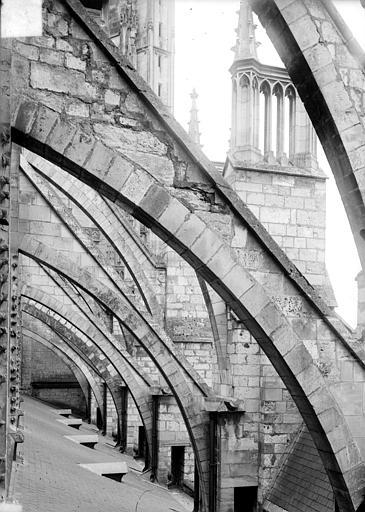 Cathédrale Saint-Etienne Arcs-boutants : volées, Doucet ; Baudet (photographe),