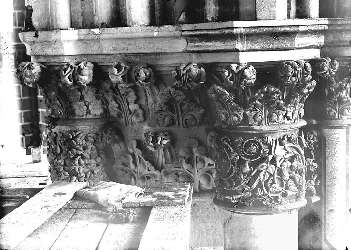 Cathédrale Notre-Dame Chapiteau du troisième pilier de la chapelle absidiale, à gauche, Lajoie, Abel,