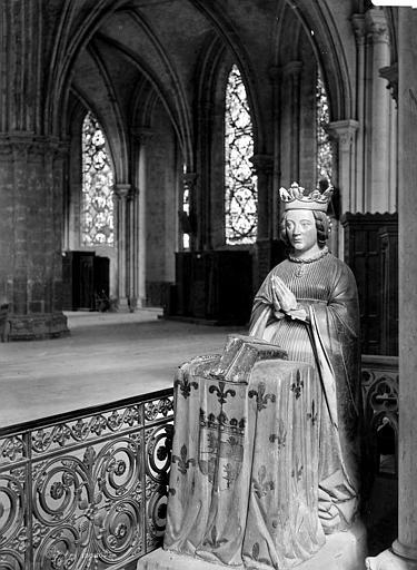 Cathédrale Saint-Etienne Statue, Mieusement, Médéric (photographe),