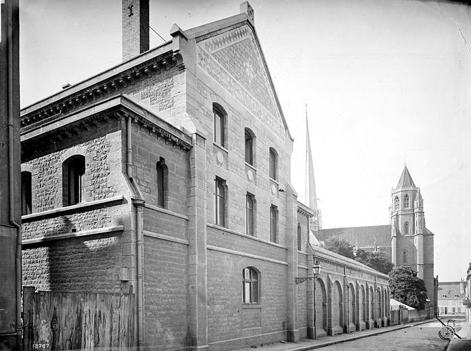 Cathédrale Saint-Bénigne Séminaire : Façade sur rue, Mieusement, Médéric (photographe),