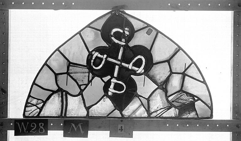 Cathédrale Vitrail, Chapelle Saint-Joseph, tympan supérieur, Légende de saint Romain, premier panneau, en haut, Heuzé, Henri (photographe),