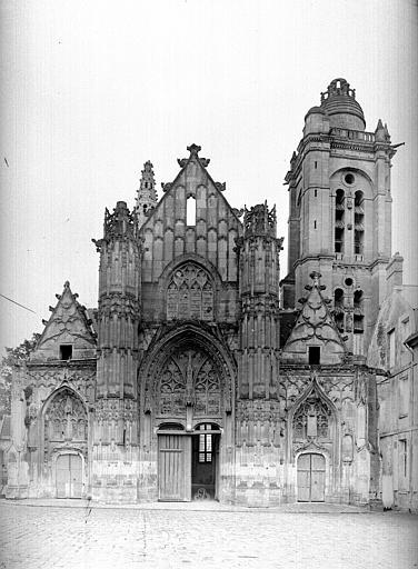 Eglise Saint-Pierre Façade ouest, Durand, Eugène (photographe),