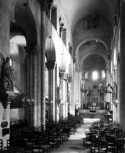 Eglise Notre-Dame-du-Port Nef, vue de l'entrée, Durand, Eugène (photographe),