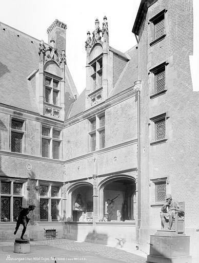 Hôtel Cujas Cour intérieure : Façade ouest, Durand, Jean-Eugène (photographe),