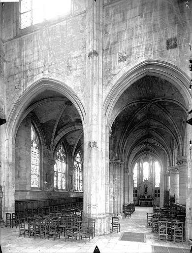Eglise Saint-Gervais-Saint-Protais Déambulatoire, au nord, Gossin (photographe),