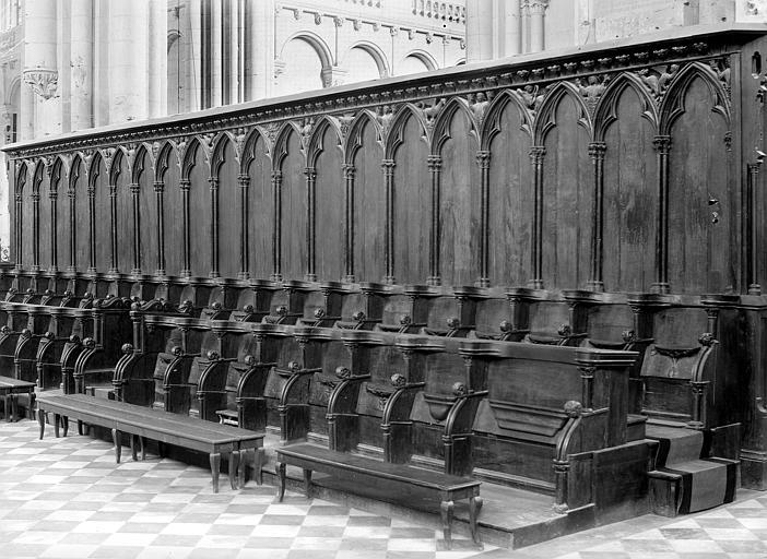 Cathédrale Saint-Pierre Stalles du choeur : Une rangée, Robuchon, Jules,