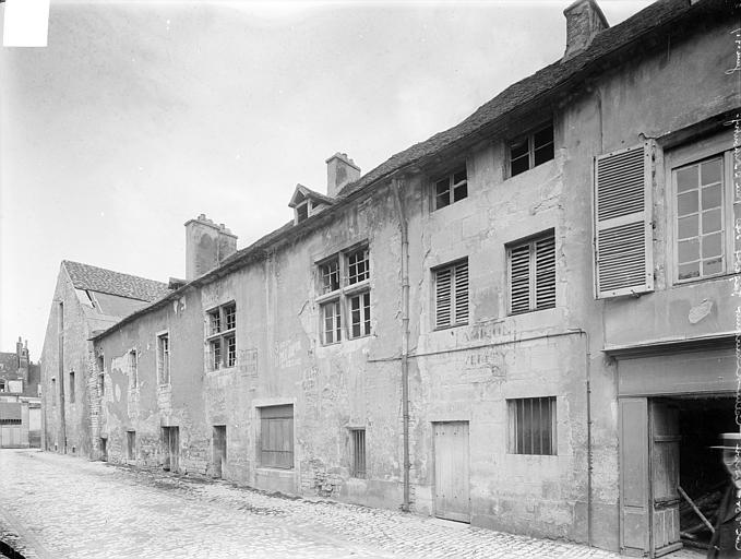 Abbaye de Clairvaux (ancienne) Cellier : façade sud, Heuzé, Henri (photographe),