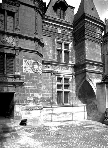 Hôtel Pincé Façade sud sur cour, Berthault (photographe),