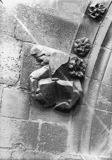 Cathédrale Notre-Dame Sommier d'arc, bras nord du transept, le Boeuf de saint Luc, Lajoie, Abel,