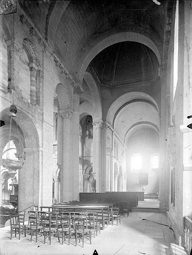 Eglise Saint-Hilaire-le-Grand Vue intérieure du transept sud et du transept nord, vers le nord, Gossin (photographe),