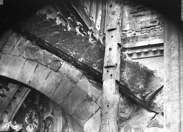 Cathédrale Notre-Dame Deuxième arc-boutant de l'abside nord, avant restauration, Lajoie, Abel,