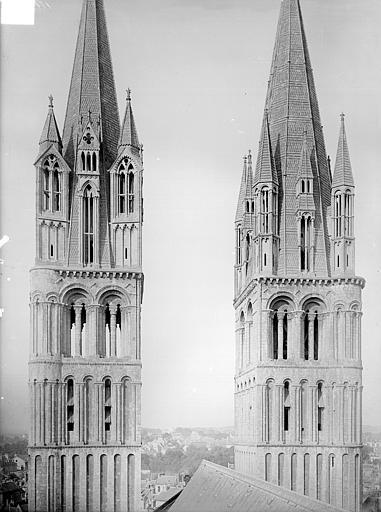Abbaye aux Hommes (ancienne) ; Eglise abbatiale Saint-Etienne Tours de la façade ouest, prises depuis la tour centrale, Heuzé, Henri (photographe),