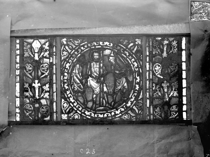 Eglise Saint-Gengoult Vitrail de l'abside, lancette de droite, panneau 24, Romanais (photographe),