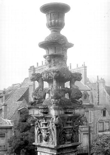 Eglise Saint-Pierre Abside : pinacle, Durand, Jean-Eugène (photographe),