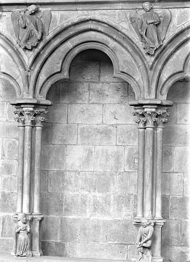Cathédrale Saint-Cyr Vue intérieure de la nef, côté nord : Arcature du triforium, Heuzé, Henri (photographe),