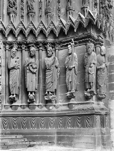 Cathédrale Notre-Dame Porte sud de la façade ouest : statues-colonnes de l'ébrasement droit, Mieusement, Médéric (photographe),