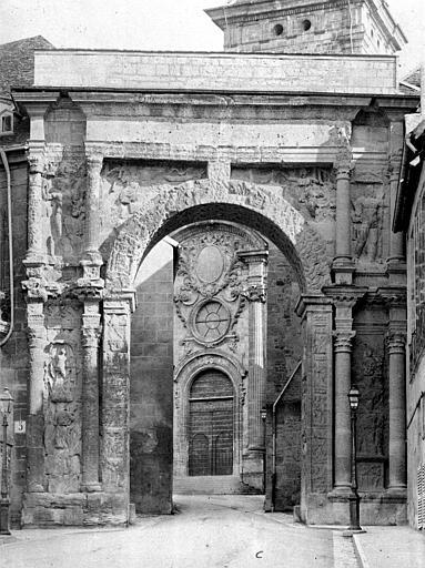 Cathédrale Saint-Jean et Saint-Etienne ; Porte Noire Façade nord : Porte Noire, Mieusement, Médéric (photographe),