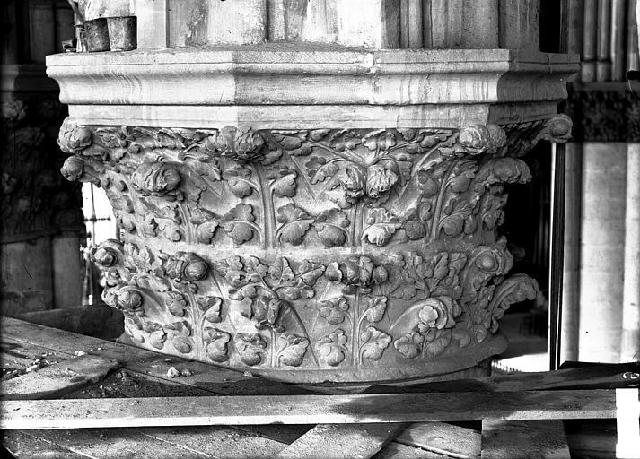 Cathédrale Notre-Dame Chapiteau du quatrième pilier du choeur, à droite, Lajoie, Abel,