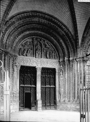 Cathédrale Portail latéral, Enlart, Camille (historien),