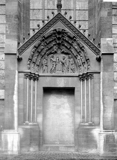 Cathédrale Notre-Dame Portail, Enlart, Camille (historien),