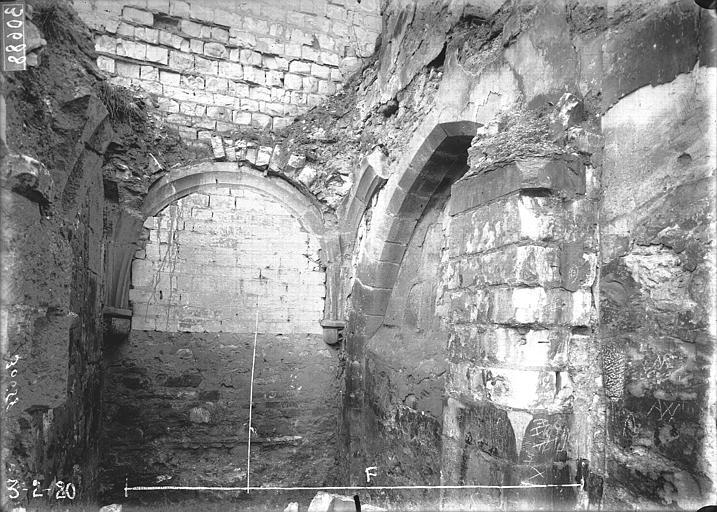 Couvent des Cordeliers (ruines du) Chapelle, intérieur, Verneau, G.,
