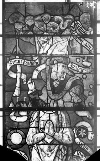 Eglise Vitraux, panneaux 16, 18, 31 de la baie F, Nadeau, H. (photographe),