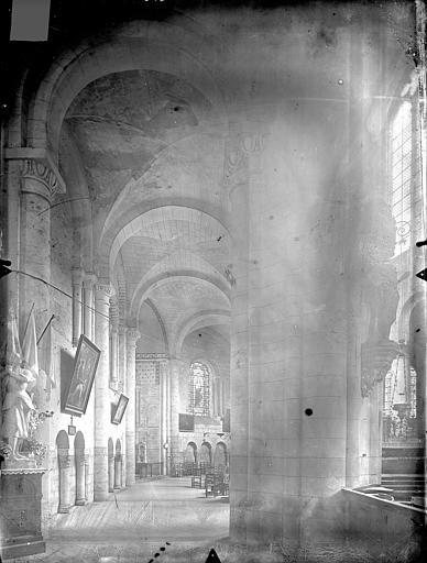 Eglise Saint-Jean de Montierneuf Vue intérieure du déambulatoire, Gossin (photographe),