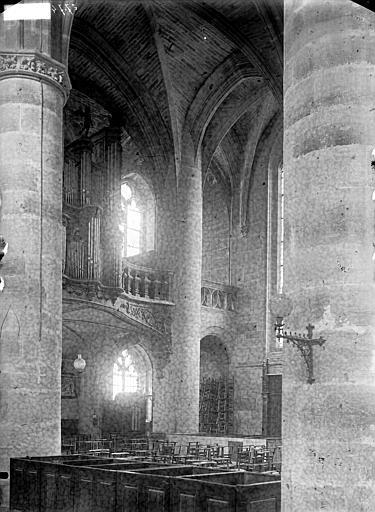 Eglise Saint-Etienne Vue diagonale, Louzier (photographe),