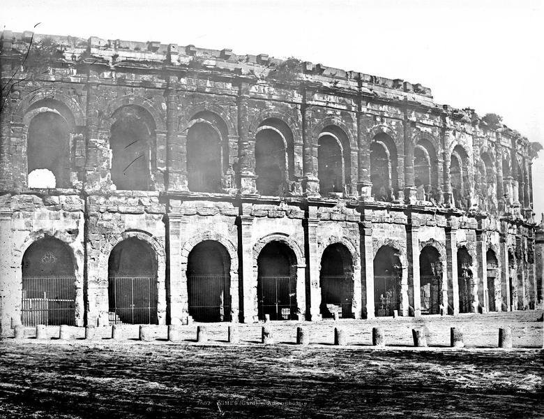 Amphithéâtre Vue extérieure (partie droite du panorama), Baldus, Edouard (photographe),