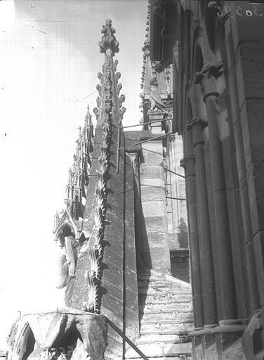 Cathédrale Notre-Dame Pignon du portail, profil, Lajoie, Abel,