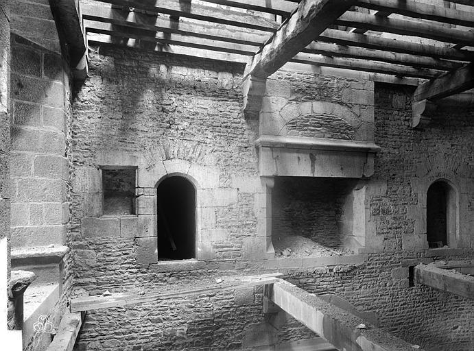 Château Tour Raoul : Vue intérieure au premier étage, Durand, Jean-Eugène (photographe),