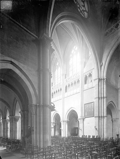 Cathédrale Saint-Vincent (ancienne) Vue intérieure du transept sud et de la nef, vers le nord-ouest, Heuzé, Henri (photographe),