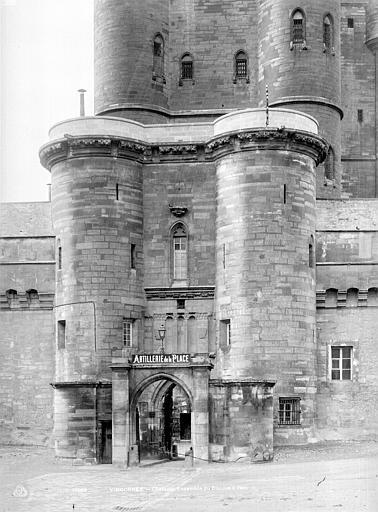 Château de Vincennes Entrée est, côté extérieur, Durand, Jean-Eugène (photographe),