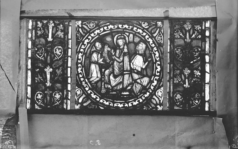 Eglise Saint-Gengoult Vitrail de l'abside, lancette gauche, panneaux supérieurs 8, Romanais (photographe),