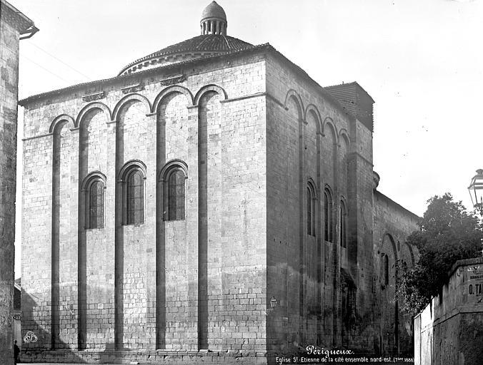 Eglise Saint-Etienne-de-la-Cité Ensemble nord-est, Mieusement, Médéric (photographe),