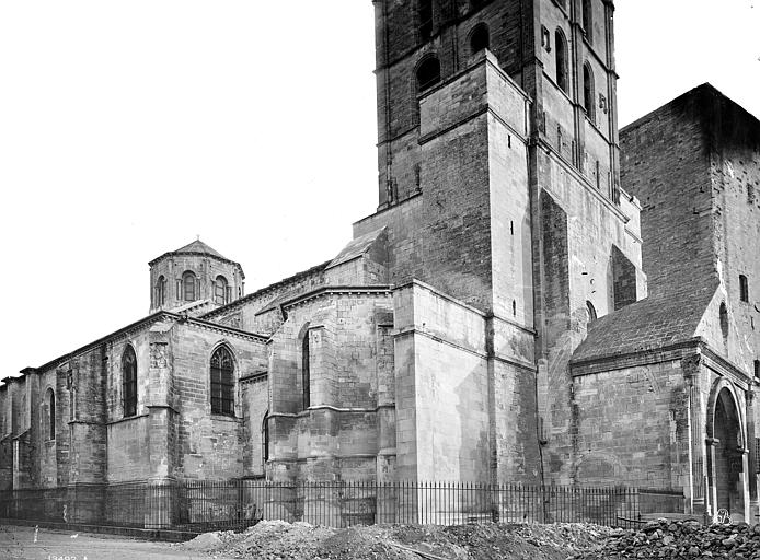 Cathédrale Notre-Dame-des-Dons Angle nord-ouest, Mieusement, Médéric (photographe),