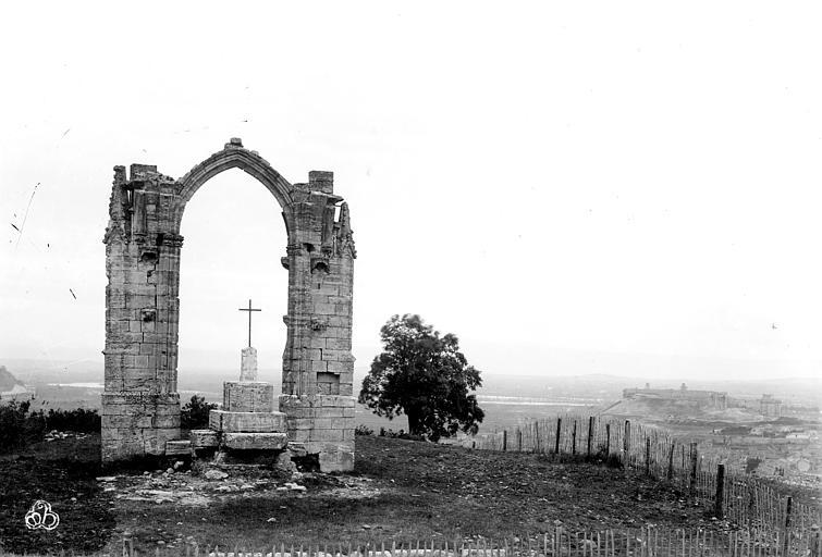 Croix couverte Vue d'ensemble, Mieusement, Médéric (photographe),