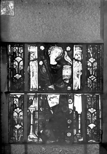 Eglise Saint-Gengoult Vitrail du transept nord, fenêtre B, 1ère lancette à gauche, panneaux inférieurs 1 et 2, Romanais (photographe),