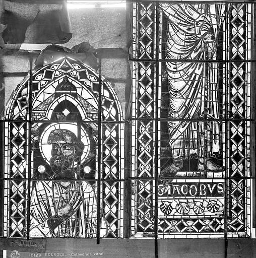 Cathédrale Saint-Etienne Vitrail : saint Jacques, Leprévost (photographe),