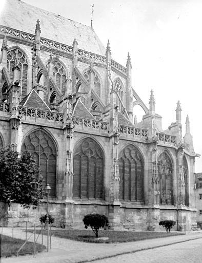 Eglise Saint-Etienne Abside, au sud, Chaine, Henri (architecte),