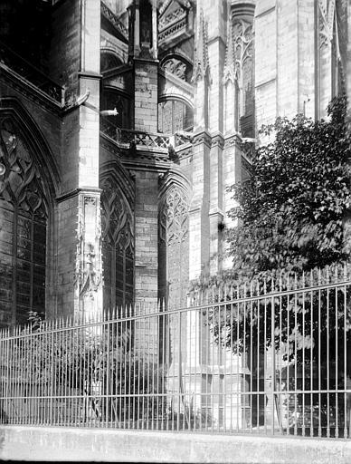 Eglise Saint-Ouen Partie latérale, Enlart, Camille (historien),