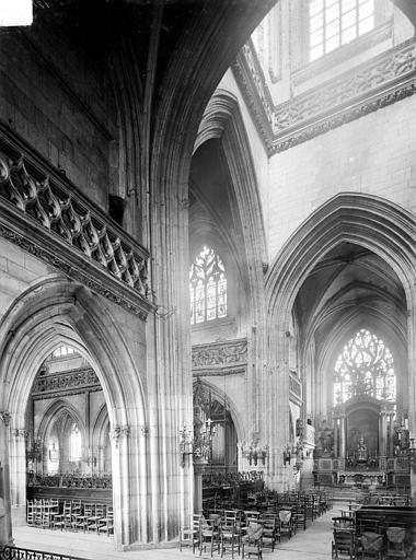 Eglise Saint-Jean Vue intérieure du transept, vers le sud-est, Heuzé, Henri (photographe),
