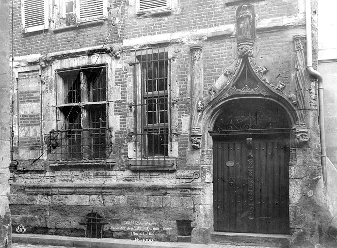 Maison de Tristan l'Hermite, dit maison de la Cordelière, dit Hôtel de Pierre du Puy , Durand, Eugène (photographe),