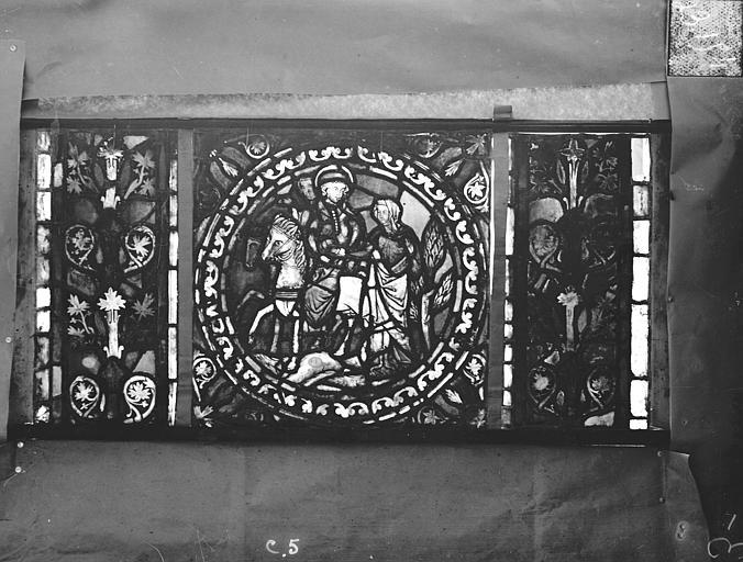 Eglise Saint-Gengoult Vitrail de l'abside, lancette gauche, panneaux supérieurs 5, Romanais (photographe),