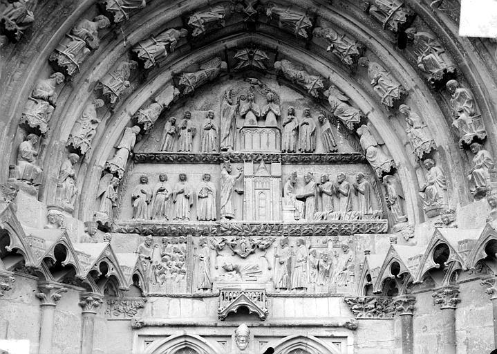 Cathédrale Saint-Etienne Cinquième portail de la façade ouest : tympan, Doucet ; Baudet (photographe),