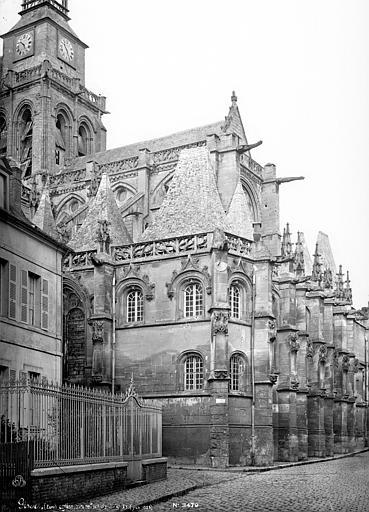 Eglise Saint-Gervais-Saint-Protais Abside : contreforts, Mieusement, Médéric (photographe),
