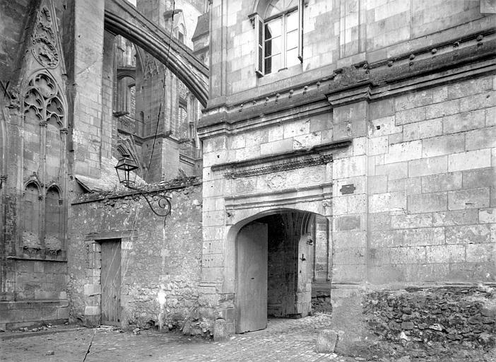 Cathédrale Saint-Gatien Cloître : Entrée, ,